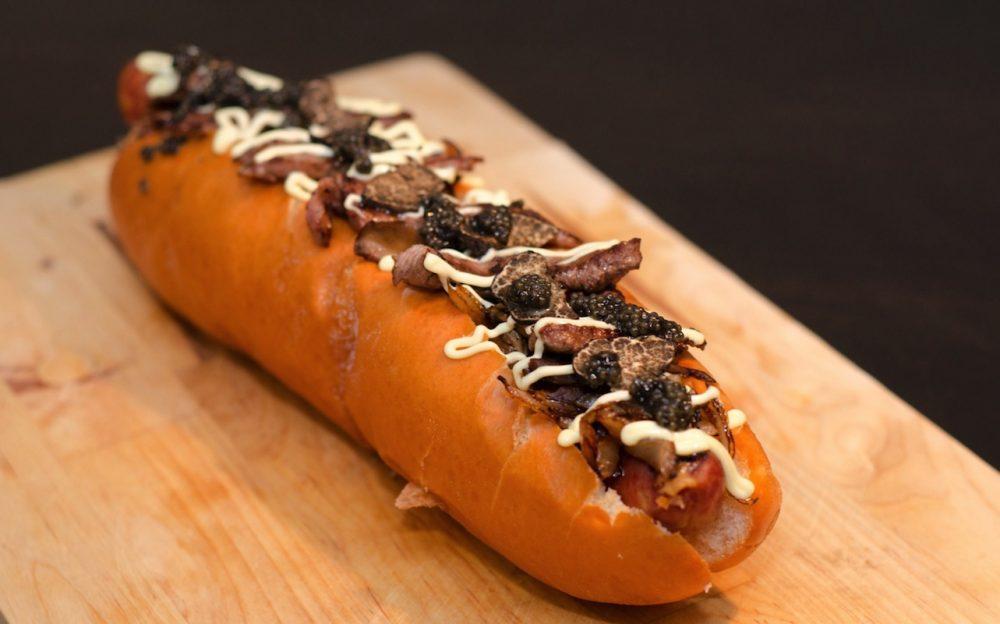 81232bc0-2dd4-11e4-a08e-5585eaec8d7a_caters_expensive_hotdog_3