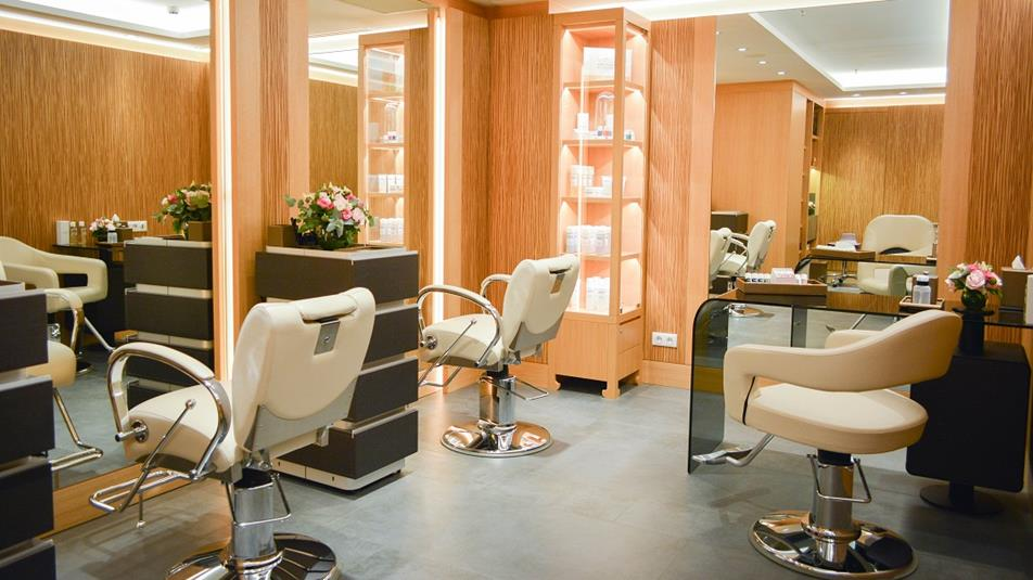 Le hair salon du spa du peninsula paris forbes france for Hair salon paris france