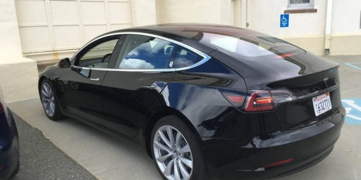 tesla model 3 les 6 caract ristiques auxquelles il faut s attendre forbes france. Black Bedroom Furniture Sets. Home Design Ideas