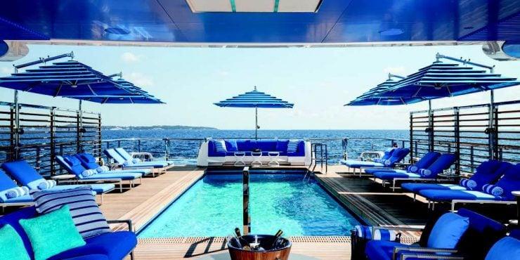 Yacht Le Benetti Beach Club Forbes France