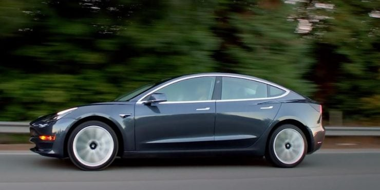 tesla model 3 la guerre des sceptiques et des fans forbes france. Black Bedroom Furniture Sets. Home Design Ideas