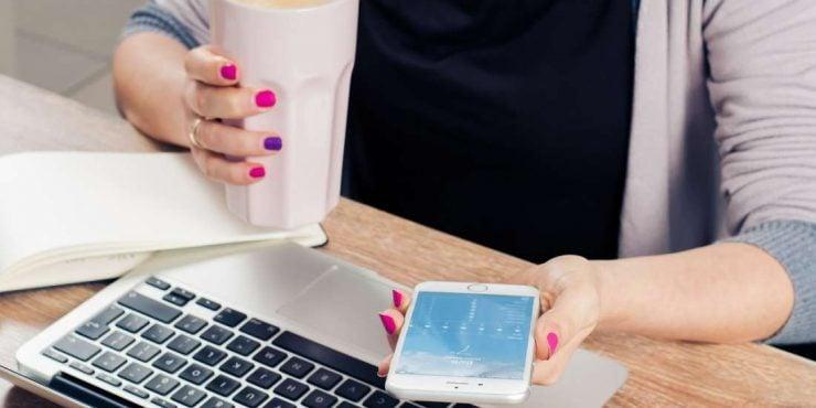 grandes dames fréquentant des sites Web
