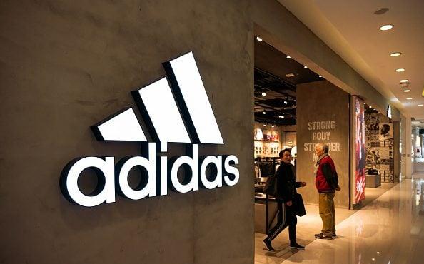 Faites fabriquer vos chaussures Adidas sur mesure en magasin