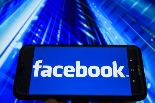 facebook n gocie pour racheter une entreprise de cybers curit forbes france. Black Bedroom Furniture Sets. Home Design Ideas