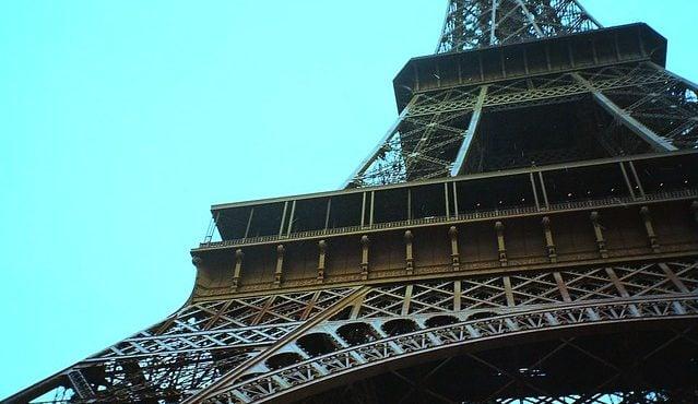 Paris attire plus d'investissements que Singapour mais encore moins que Londres.