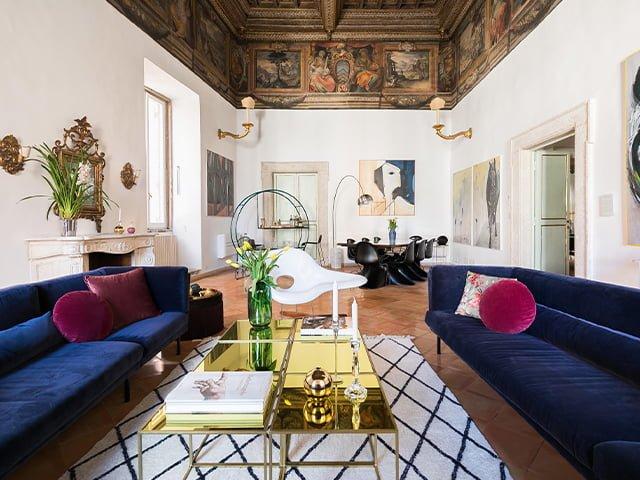 Piazza Mattei Historic Residence