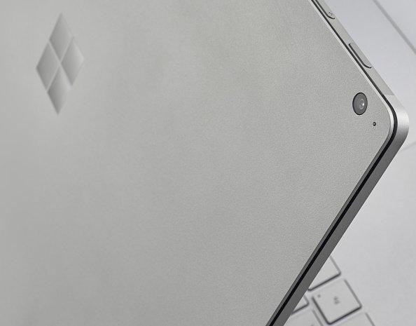 Microsoft Reconnaît Des Problèmes Sur Son Surface Laptop | Forbes France