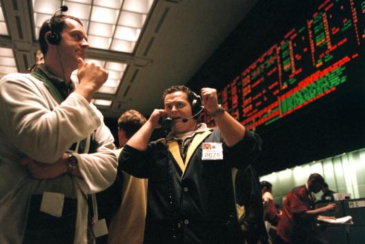 Chute du Dow Jones : Voici Pourquoi Vous Ne Devriez Pas Paniquer | Forbes France