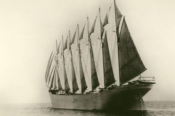 Ce n'est pas en ajoutant des mâts que la marine à voile a éviter la disruption par la marine à vapeur