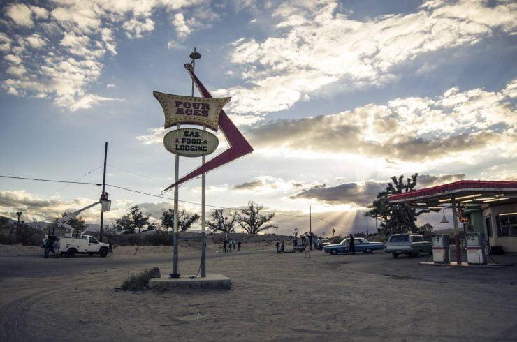 """Photo tirée du shooting """"Extra not so terrestre"""" fait dans le parc national de Joshua Tree à Los Angeles - Sacha Goldberger - copyright Ilanit Cohen"""