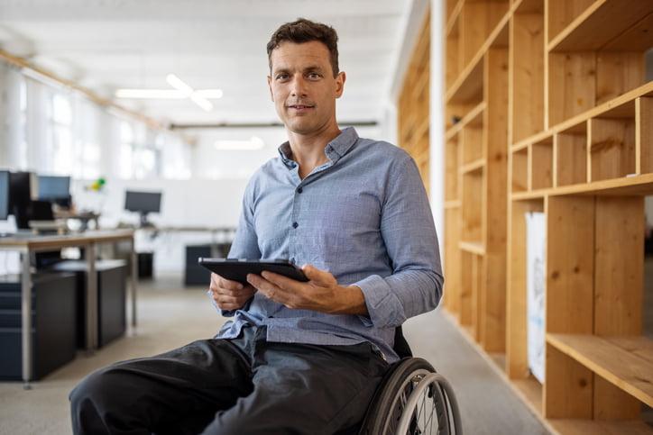 Qu'est-ce qui pousse certaines personnes handicapées à devenir des militants du handicap ?