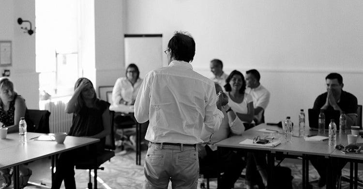 Réinventer l'accompagnement des entreprises : et si le management n'était pas qu'une question de managers ?